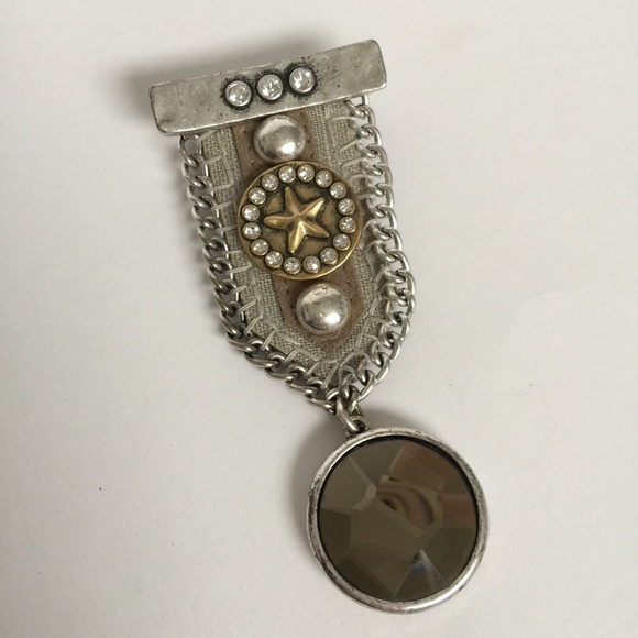 Military-style pin